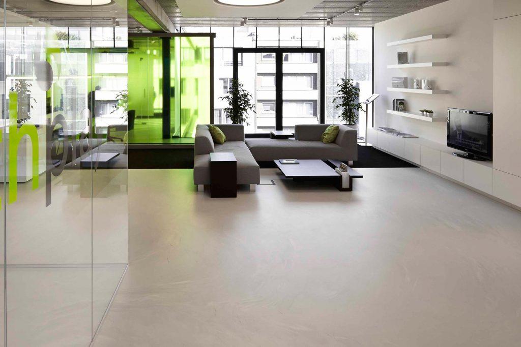 verbouwingswerken kantoor: gietvloer