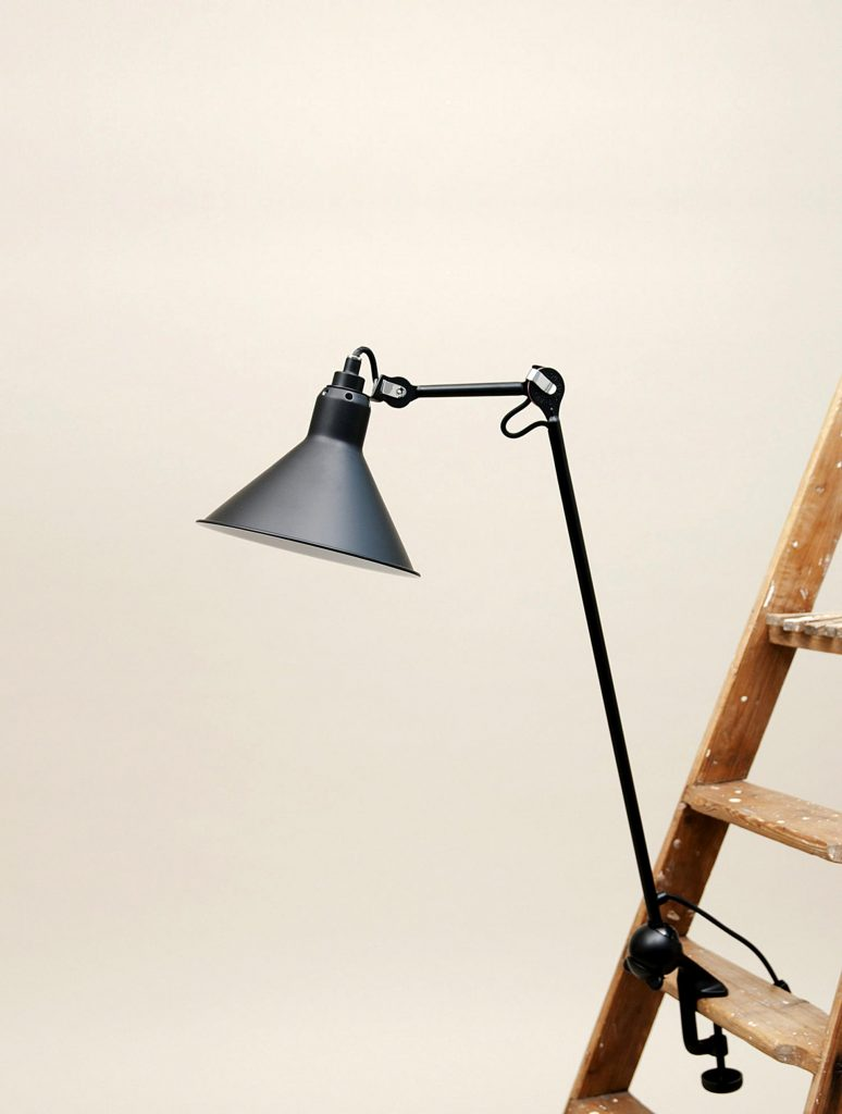 Interieurinrichting: Lampe Gras 1