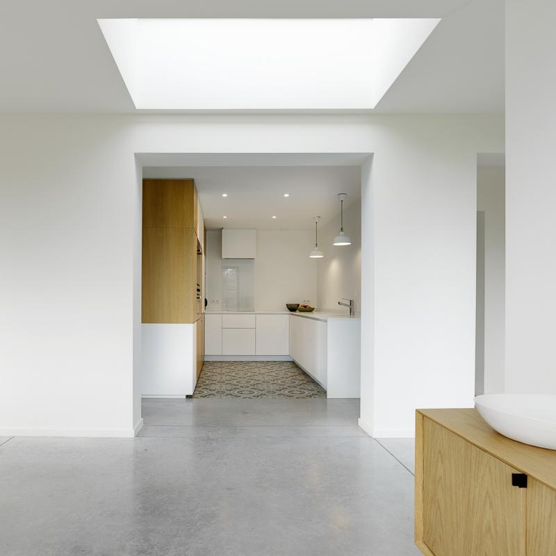 Aanbouw woning zorgt voor open en lichte benedenverdieping 10