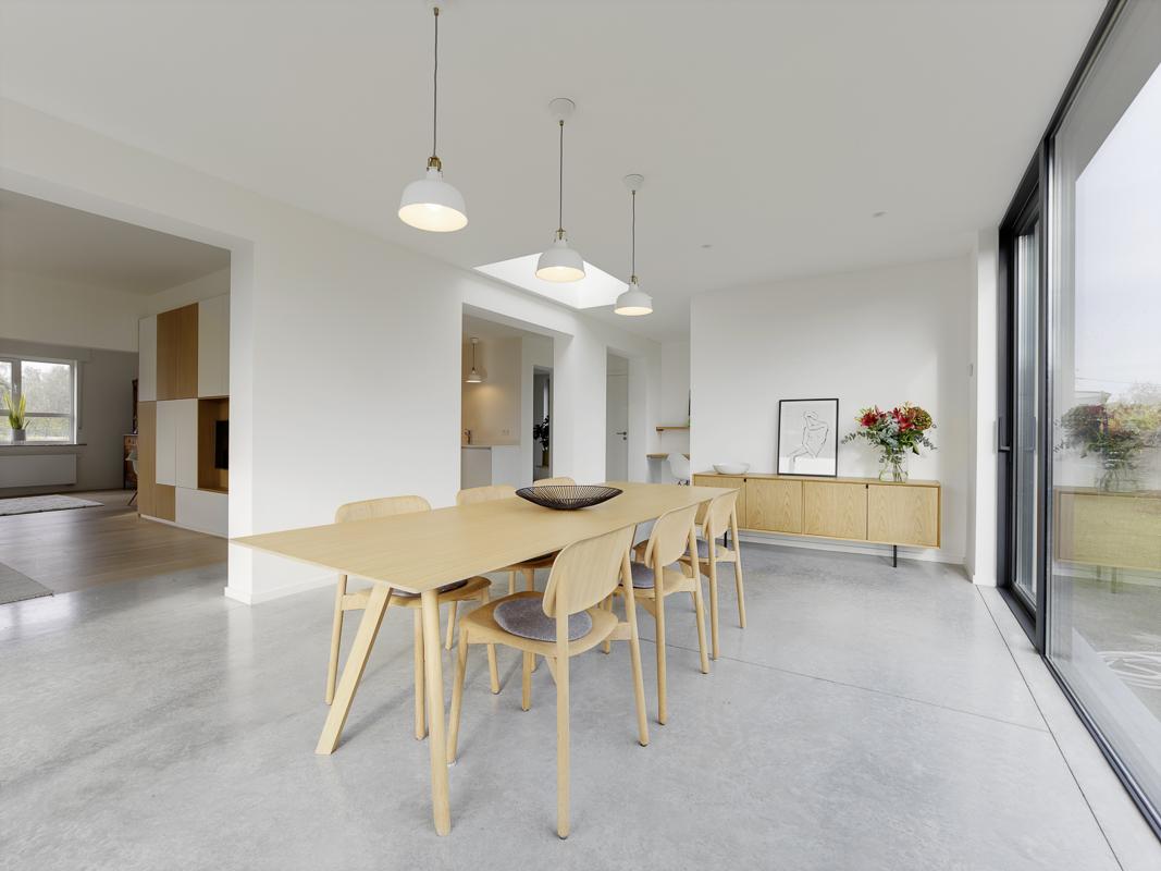 Aanbouw woning zorgt voor open en lichte benedenverdieping 13