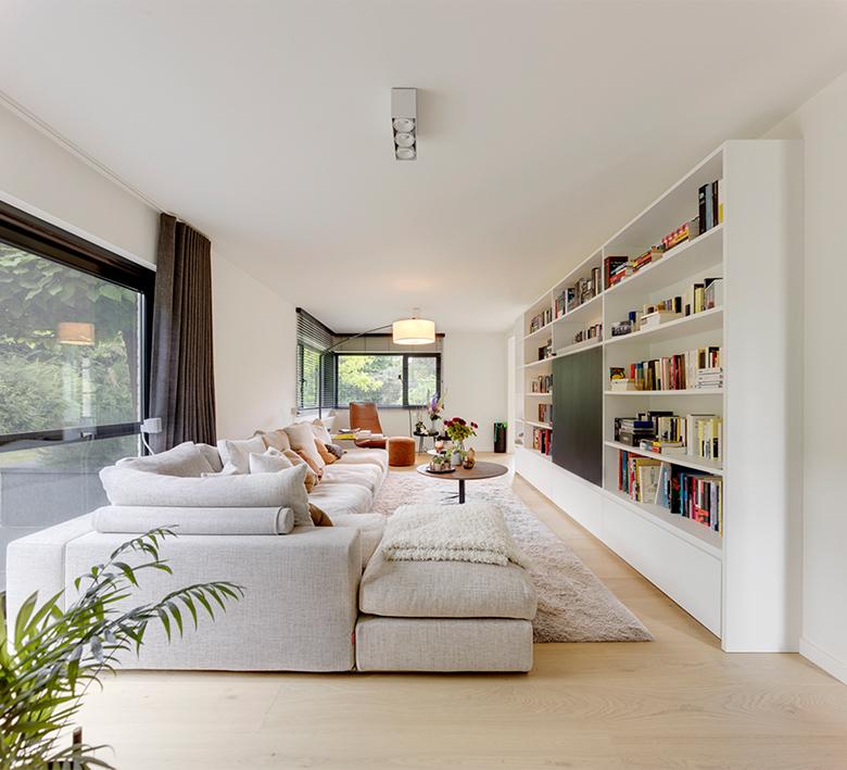 Interieurkabinet - lichte kleuren maken een ruimte luchtiger en laten meer daglicht binnen